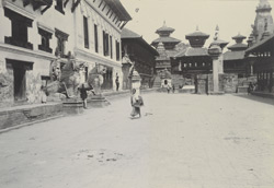 Square in front of Durbar, Bhatgaon [Bhaktapur]